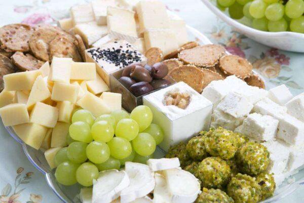 מגשי אירוח - מגש גבינות ארץ ישראלי