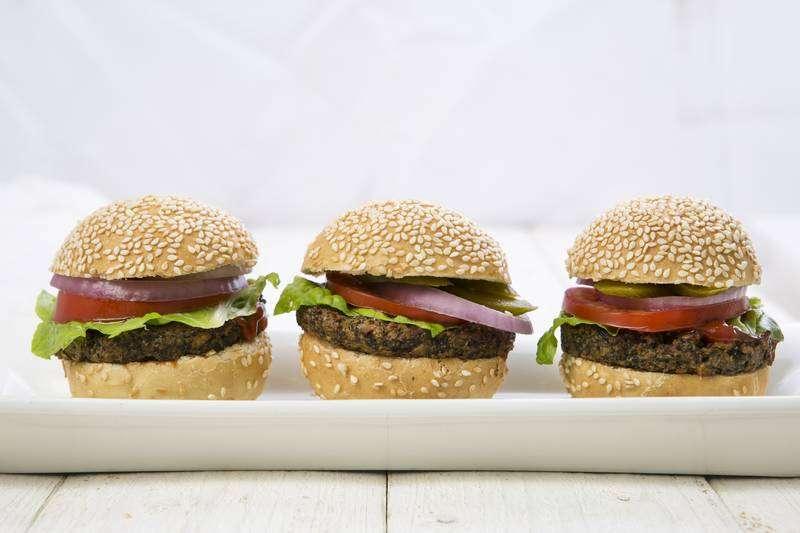 מגשי אירוח - המבורגר טבעוני