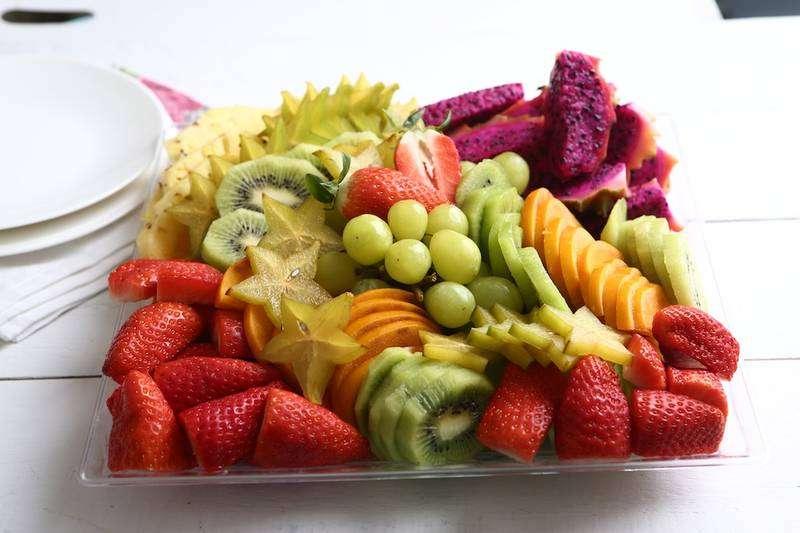 מגשי אירוח - מגש פירות העונה