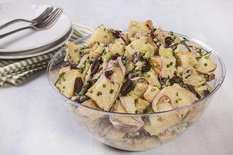 מגשי אירוח - סלט תפוחי אדמה מפנק